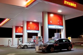 Обиженный петербуржец въехал в АЗС из-за отказа в обслуживании