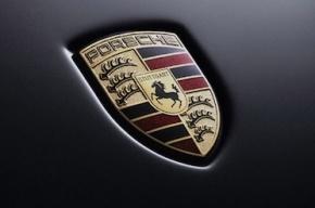 В Петербурге у 20-летней жительницы угнали Porsche за 7 млн рублей