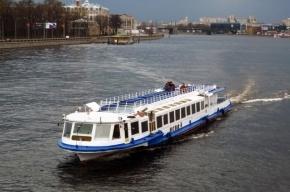 На круизном теплоходе в порту Петербурга нашли нелегальный алкоголь