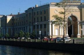 Из канала Грибоедова извлекли труп мужчины