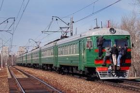 В Петербурге с электропоезда сняли двух пьяных зацеперов