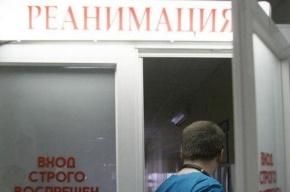 В Петербурге спасают пожилую туристку из США, разбившую голову во время круиза