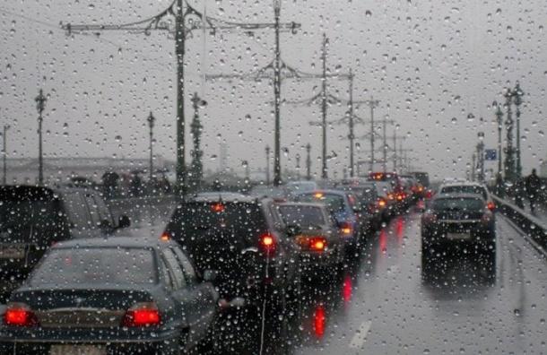 В Санкт-Петербург придут дожди, грозы и ветер