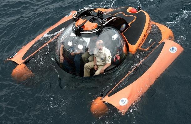 Путин погрузился на дно Черного моря