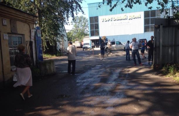В Купчино сообщили о заминировании завода