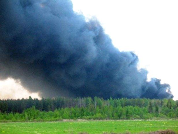 Fire_of_toxic_waste_storage_at_Krasny_Bor_24_Mai_2008