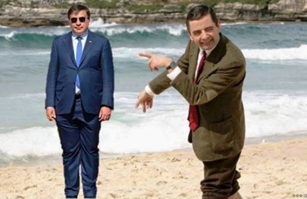 В интернете высмеяли костюм Саакашвили в фотожабах
