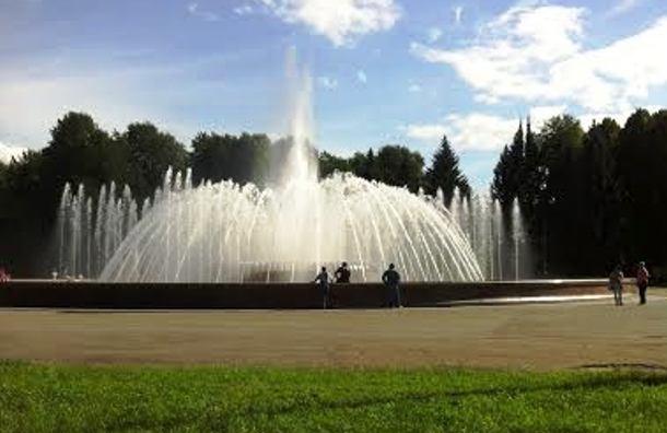 На Крестовском острове запустили новый фонтан