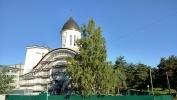 На территории больницы в Сестрорецке завершается строительство храма Ксении Блаженной : Фоторепортаж