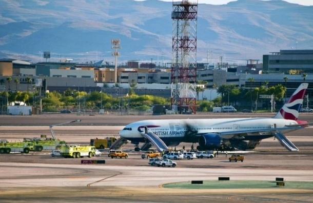 Спасатели сообщают о 14 пострадавших на пожаре самолета в Лас-Вегасе