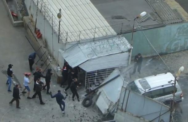 Очевидцы сняли на видео жесткие «разборки» в московском ГСК «Никулинский»