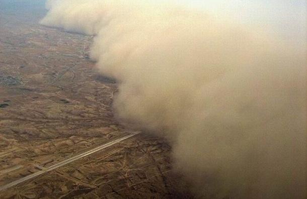 Страны Ближнего Востока накрыла песчаная буря: есть погибшие