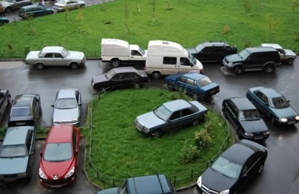 Штрафы за неправильную парковку в Петербурге увеличат до трех тысяч рублей