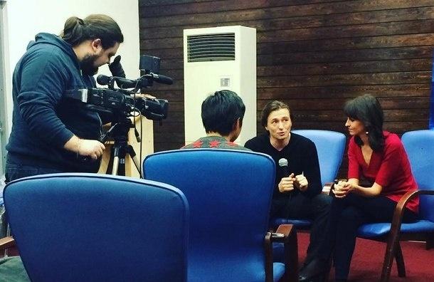 Актер Сергей Безруков впервые появился на публике с новой подругой