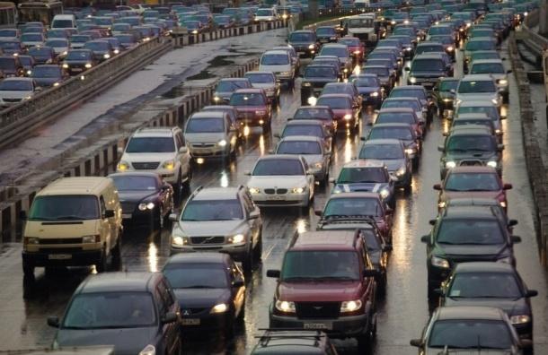 Сегодня утром Петербург встал в огромных пробках