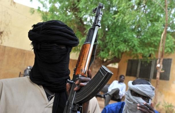 Больше 50 военнослужащих казнили исламисты на аэродроме в Сирии