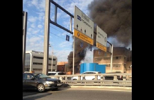 Пожар произошел на столичном заводе «Серп и молот»