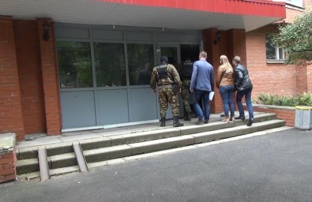 Полиция нашла тех, кто украл у Смольного 3 миллиона рублей