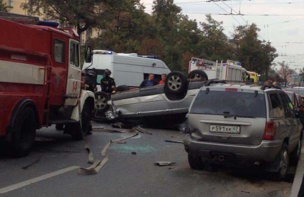 Массовая авария произошла на Московском проспекте