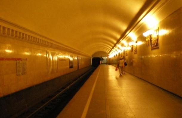 Метро «Владимирская» закрыта на вход и на выход