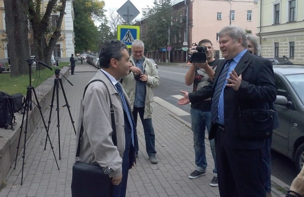 Лидер «Яблока» Митрохин предупредил КПРФ о политической ответственности за голосование против Шлосберга