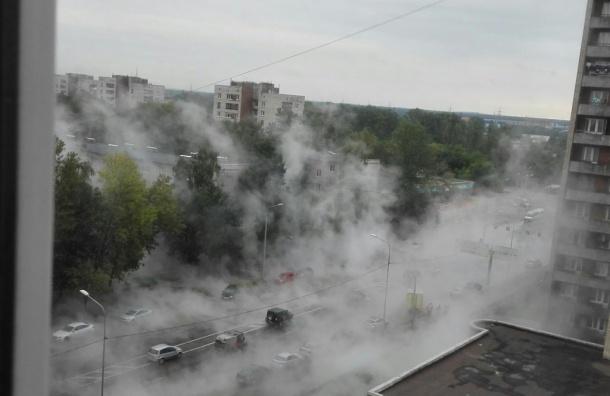 Очевидцы: Дальневосточный проспект залило кипятком