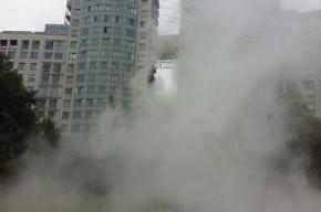 Во Фрунзенском районе прорвало трубу