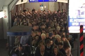 Очевидцы: На станции «Московские ворота» давка