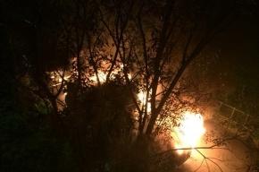 Машина сгорела ночью на Комендантском проспекте