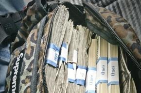 После предполетного досмотра пассажир «Пулково» остался без 250 тысяч рублей