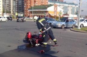 В Приморском районе мотоцикл столкнулся с грузовиком: есть погибший