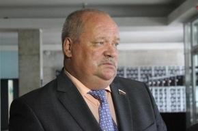Депутат Госдумы застрял в танке на выставке в Тагиле