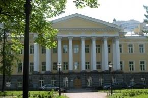 В Петербурге у сотрудника окружного военного суда угнали иномарку
