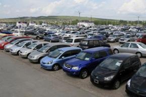 Аналитики зафиксировали в Петербурге минимальное падение продаж машин в году