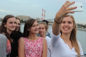 Школьников из Польши вместо Петербурга увезли в Крым