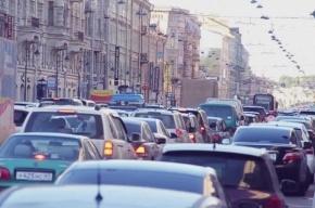 Движение в центре Петербурга парализовано из-за пробок