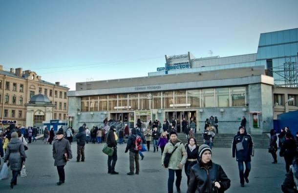 Станция «Сенная» закрыта на вход из-за неисправности эскалатора