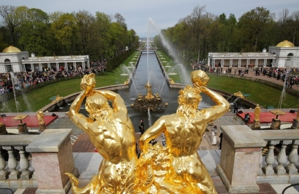 Петергоф закрывает сегодня, 11 октября, сезон фонтанов