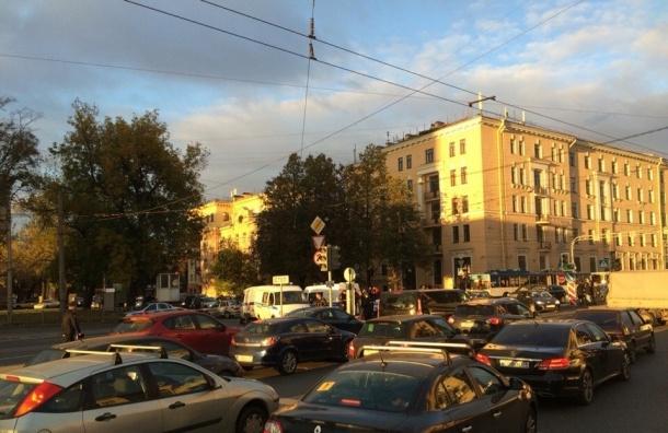 Второе СВУ обезвредили на Кантемировской площади