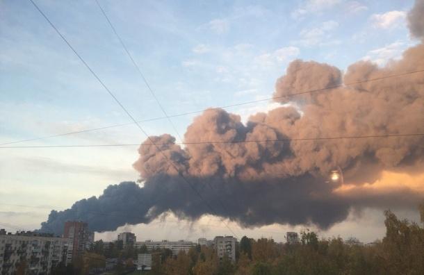 Огромный пожар в Петербурге на Парнасе удалось локализовать