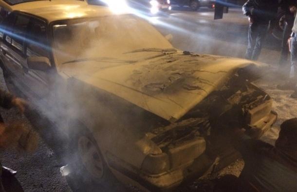 Автомобиль загорелся на КАДе