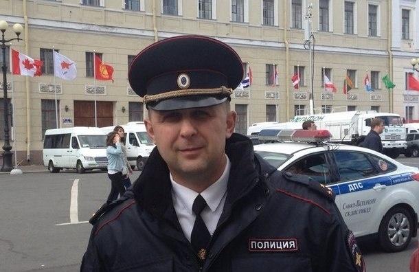 Полицейский-расист избил в Петербурге предпринимательницу из Азербайджана