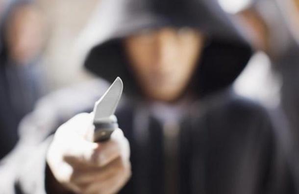 Задержан подозреваемый в ножевом нападении на женщину на Канонерской улице