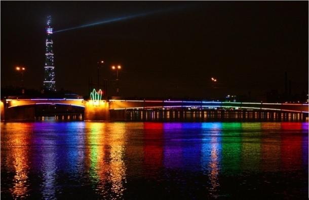 Петербург назвали лучшим местом в России для празднования Нового года