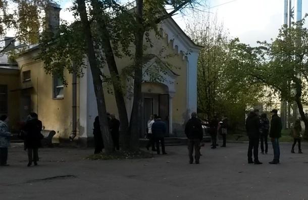 Около 60 человек пришли проститься с убитым Константином Андреевым