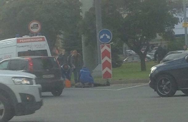 Автомобилисты услышали «жуткий взрыв» на Кантемировской