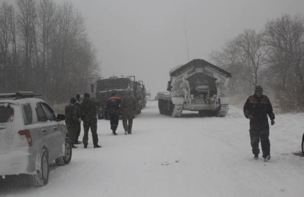 Инженерный танк разгреб пробку под Хабаровском за пару часов