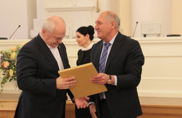 Директор Исаакиевского собора ушел с поста главы Общественной палаты Петербурга
