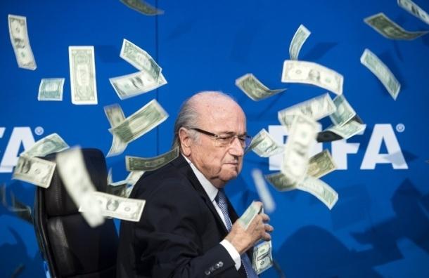 Главу ФИФА Блаттера отстранили от должности на 90 дней