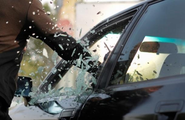 Ограбление во Фрунзенском районе: у охранника отобрали $120 тысяч